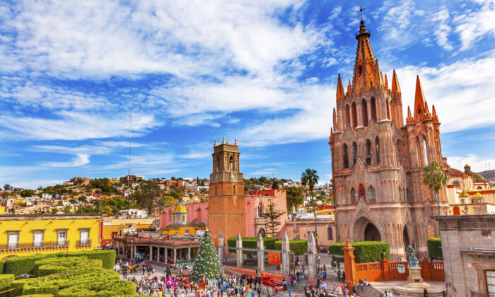 On the main square sits one of the most famous churches in Mexico, the late 17th-century La Parroquia. (Bill Perry/Shutterstock)