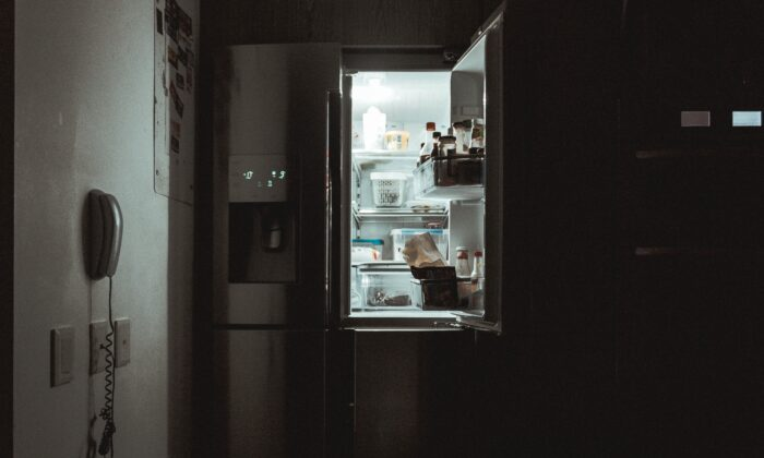 A late night snack may beckon, but habitual overeating can arise from poor sleep. (Photo by nrd on Unsplash)