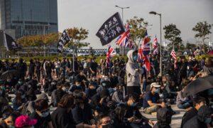 Hong Kong Blocks US Human Rights Group's Director at Airport