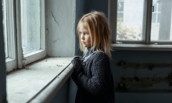 Childhood adversity has been linked to reduced brain size and increased chances of neurodevelopmental problems. (YAKOBCHUK VIACHESLAV/Shutterstock)