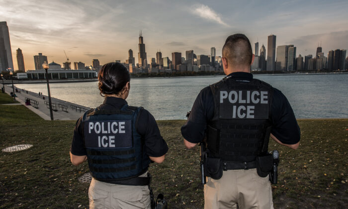 ICE agents in Chicago, Ill., in this file photo. (Josh Denmark/DHS)