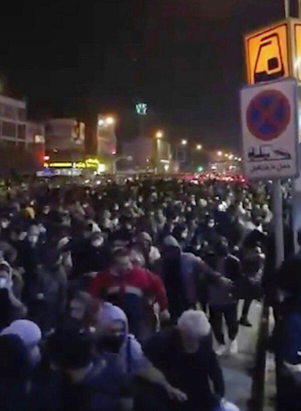 Iranian-protesters-for-Ukraine-bound-flight.