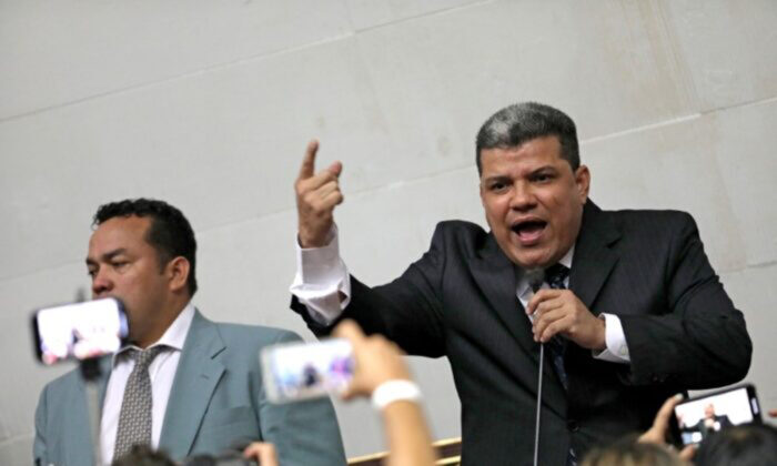 Lawmaker Luis Parra speaks during a swearing-in ceremony at Venezuela's National Assembly in Caracas, Venezuela, on Jan. 5, 2020. (Reuters/Manaure Quintero/File Photo)