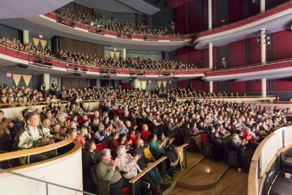 Shen-Yun-shenyun-audience-41-20200112-AFT-Mississauga-Evan Ning-Theatre-shenyun