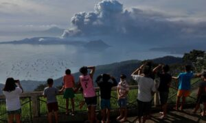 Philippines Volcano Erupts Again, Ash Brings Manila to a Halt