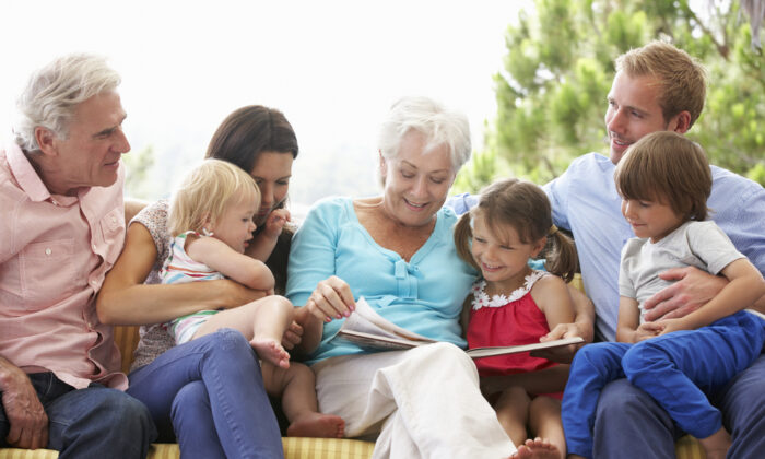 Staying mentally active, by doing things like reading books to grandchildren, can help some older adults ward off dementia. (Shutterstock)