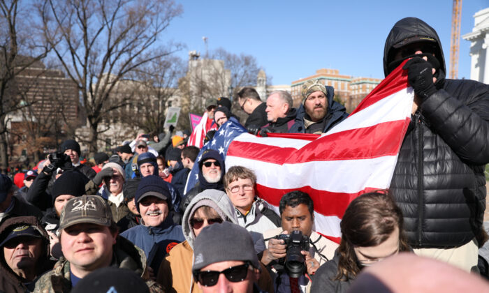 Gun rights activists take part in a rally in Richmond, Virginia, on Jan. 20, 2020. (Samira Bouaou/The Epoch Times)