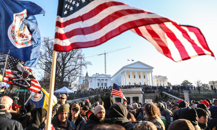 Gun rights advocates take part in a rally in Richmond, Virginia, on Jan. 20, 2020. (Samira Bouaou/The Epoch Times)