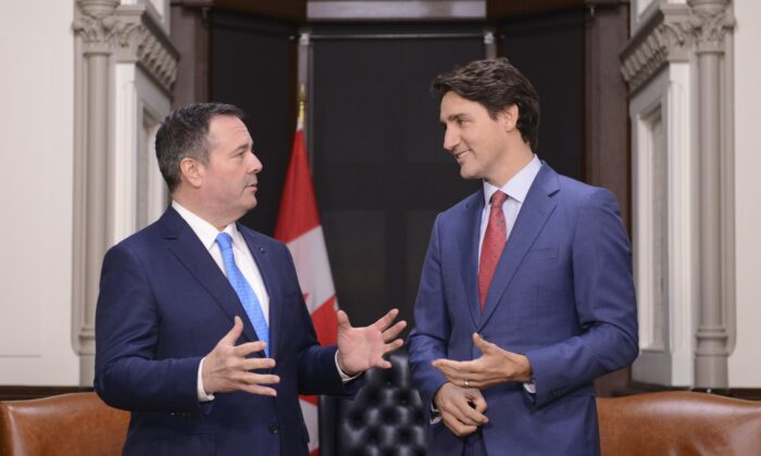 Prime Minister Justin Trudeau and Alberta Premier Jason Kenney meet on Parliament Hill in Ottawa on Dec. 10, 2019. (The Canadian Press/Sean Kilpatrick)