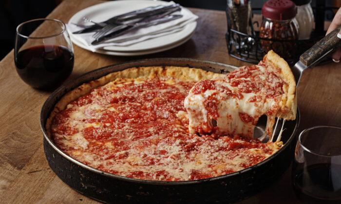 Lou Malnati's deep dish pizza. (Courtesy of Choose Chicago)