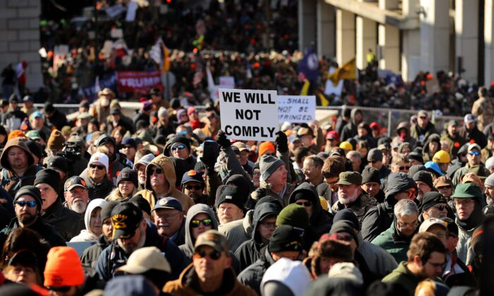 Thousands of gun rights advocates attend a rally organized by The Virginia Citizens Defense League on Capitol Square near the state capital building in Richmond, Va., on Jan. 20, 2020. (Chip Somodevilla/Getty Images)