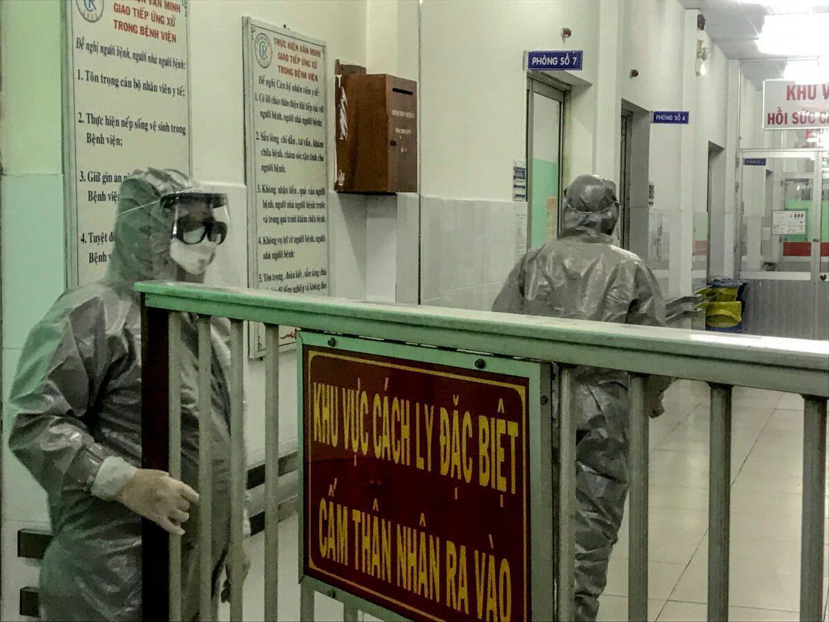 coronavirus spreads to vietnam, singapore
