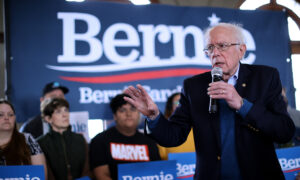 Sanders Vows to Reverse Trump's Immigration Policies If Elected President