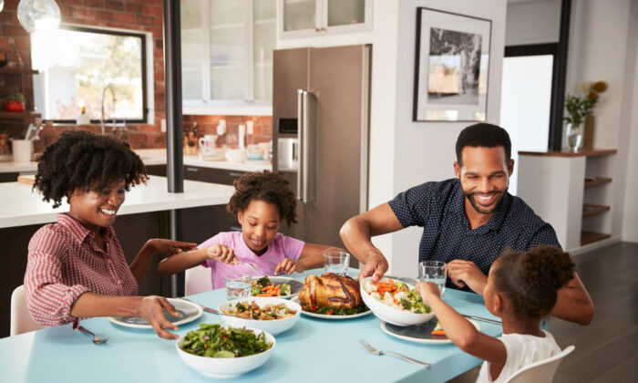 How you guide your children's approach to food can help form well-rounded, well-behaved adults. (Shutterstock)