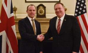 Pompeo Says Huawei Is a Risk, but US Will Resolve Differences With UK
