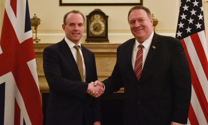 UK Foreign Secretary Dominic Raab meets US Secretary of State Mike Pompeo at the Foreign Secretary's Residence in London, on Jan. 29, 2020. (Peter Summers/Getty Images)