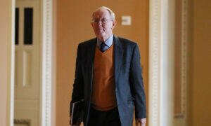 Key GOP Sen. Lamar Alexander to Vote No on More Witnesses, Documents in Impeachment Trial