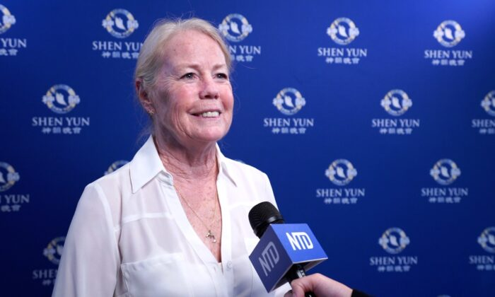 Dance Teacher: Shen Yun Should Be Shown in Every Classroom