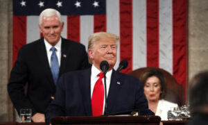 Trump Praises US Economy, Avoids Impeachment, in State of the Union Address