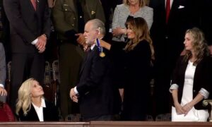 Trump Presents Rush Limbaugh With Presidential Medal Following Cancer Diagnosis