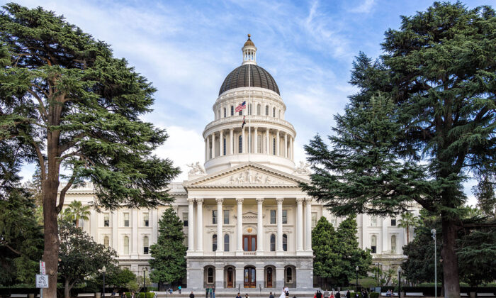 The California state capitol in Sacramento, Calif., on March 8, 2014. California leads all states in the amount of unfunded benefits, at $166.6 billion. (Andre m, CC BY-SA 3.0, Wikimedia Commons)