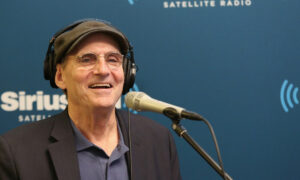 Singer-Songwriter James Taylor's New Album Covers Songs That Taught Him Everything He Knew