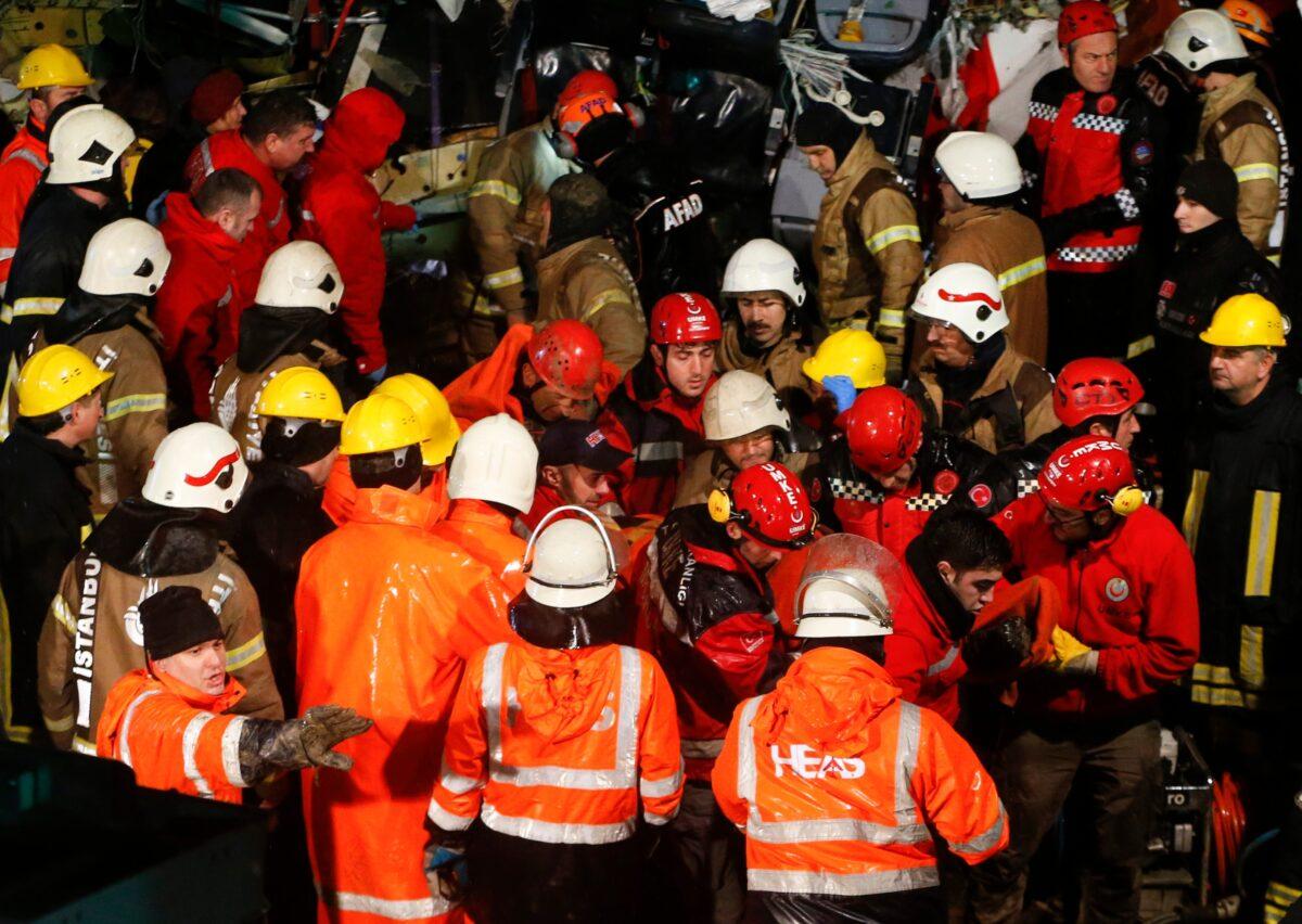 Rescue members-Pegasus Airlines Crash-Turkey