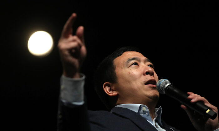 Democratic presidential candidate Andrew Yang speaks during a campaign event in Keene, New Hampshire on Feb. 5, 2020. (Justin Sullivan/Getty Images)