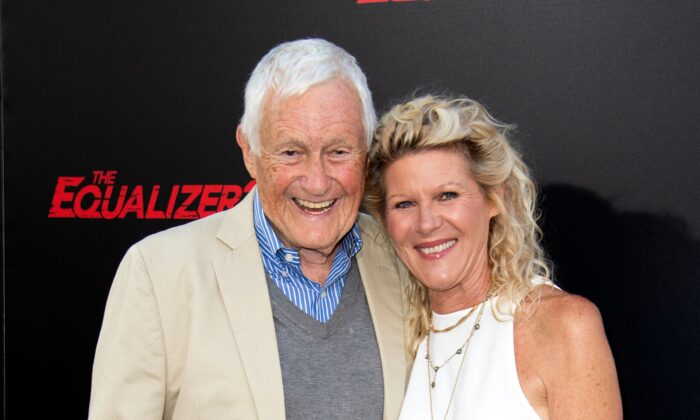 "Actor Orson Bean and his wife actress Alley Mills attend ""The Equalizer 2"" premiere at the TCL Chinese Theater in Hollywood, California, on July 17, 2018. (Valerie Macon/AFP via Getty Images)"