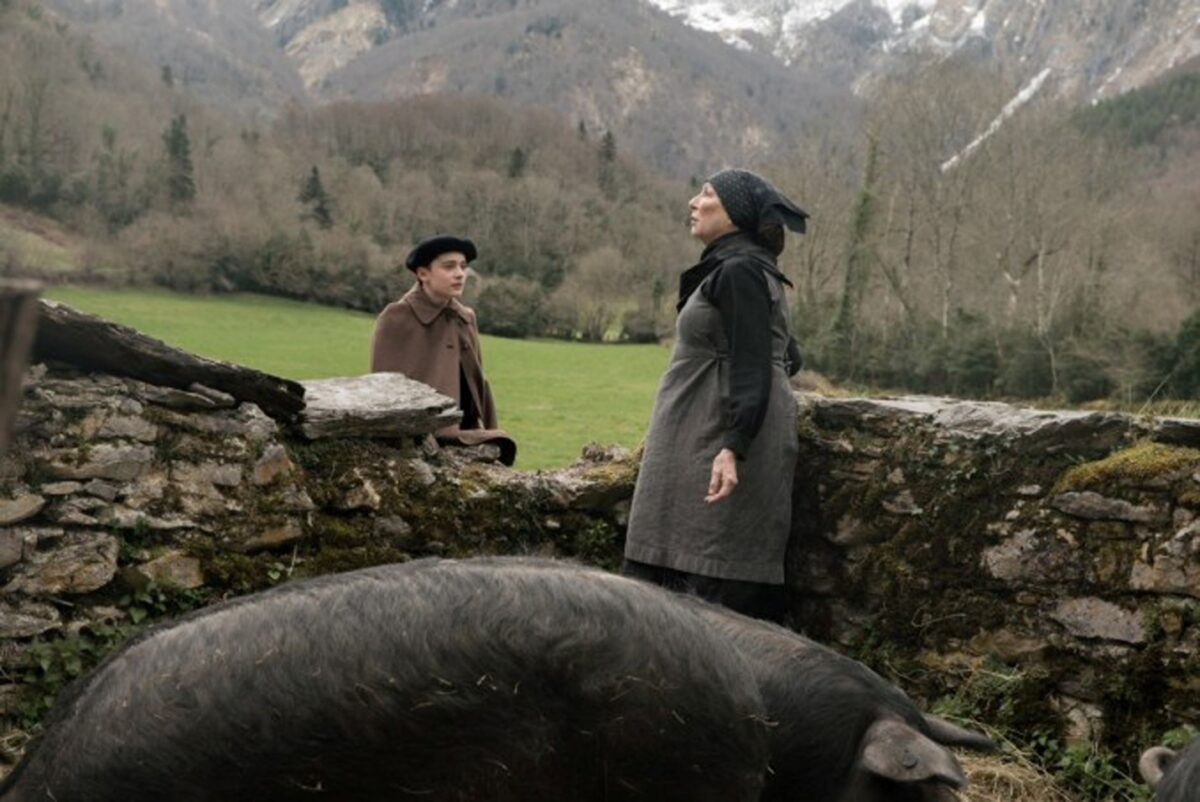 Noah Schnapp and Anjelica Huston in Waiting for Anya