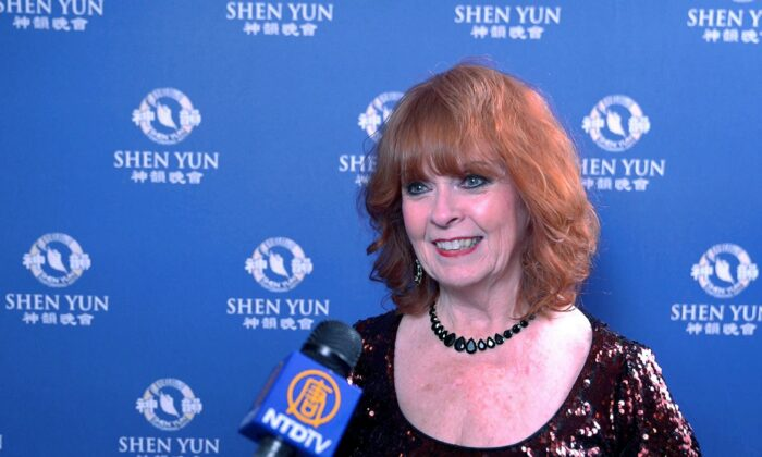 Ms. Senior Universe 2019 Finalist Calls Shen Yun An Experience of a Lifetime