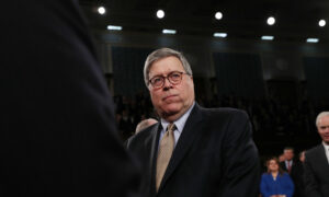 Three Top Republicans Defend Barr After 2,000 Former DOJ Staffers Call for His Ouster