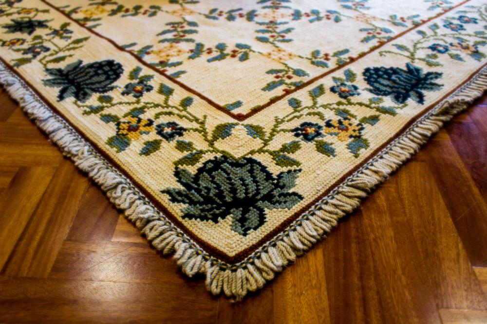 arraiolos rug