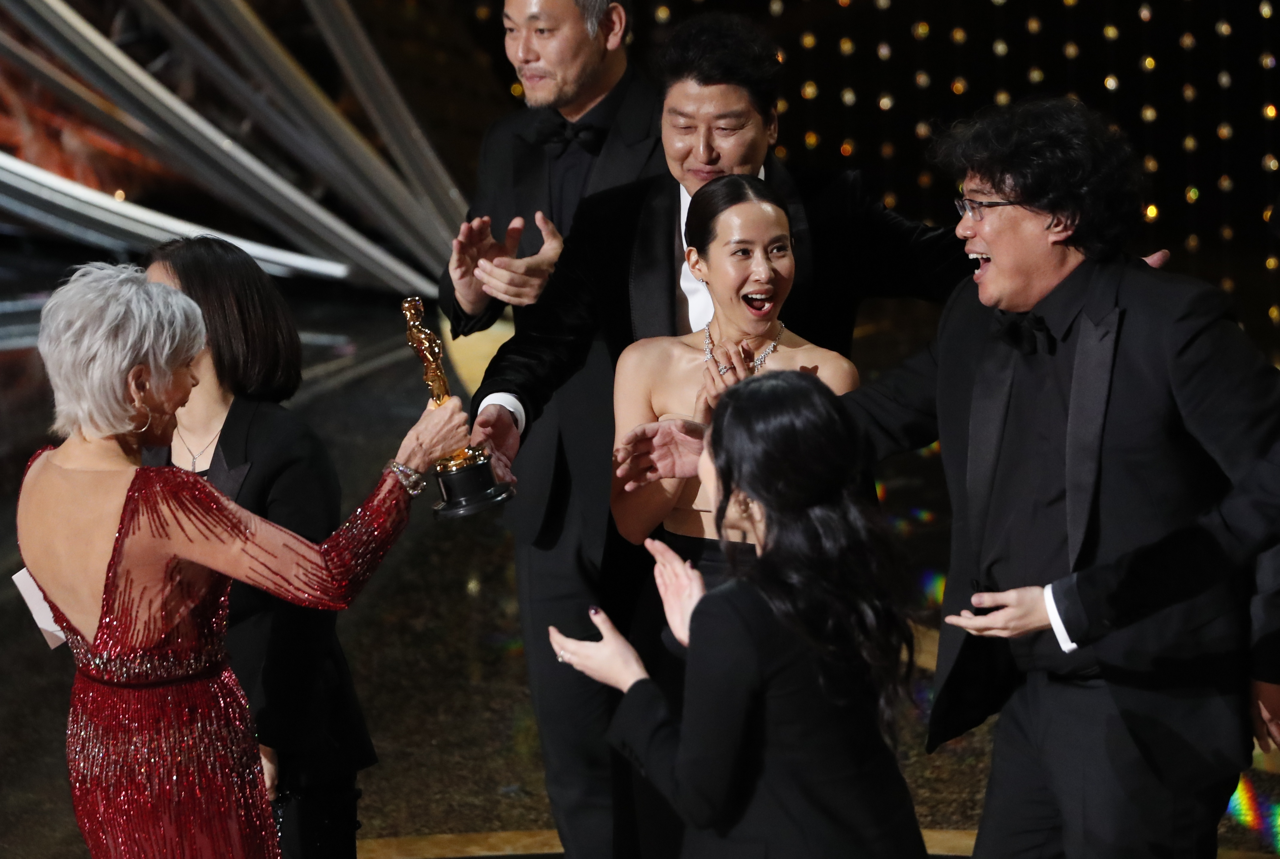 Kwak Sin Ae and Bong Joon Ho win Oscar