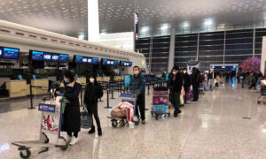 Second Plane Carrying Canadian Evacuees From China Arrives in Canada