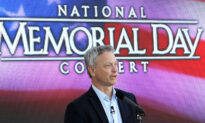 Gary Sinise Receives Medal of Honor Society's Patriot Award for Working With Veterans