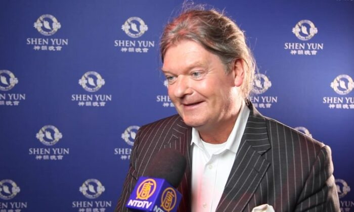 CEO Inspired by Shen Yun's Universality