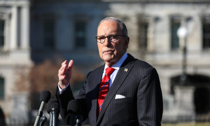 Larry Kudlow, director of the National Economic Council, talks to media outside the White House in Washington on Jan. 15, 2020. (Charlotte Cuthbertson/The Epoch Times)