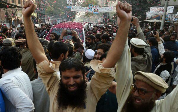 Pakistani-supporters-of-the-Jamaat-ud-Dawa
