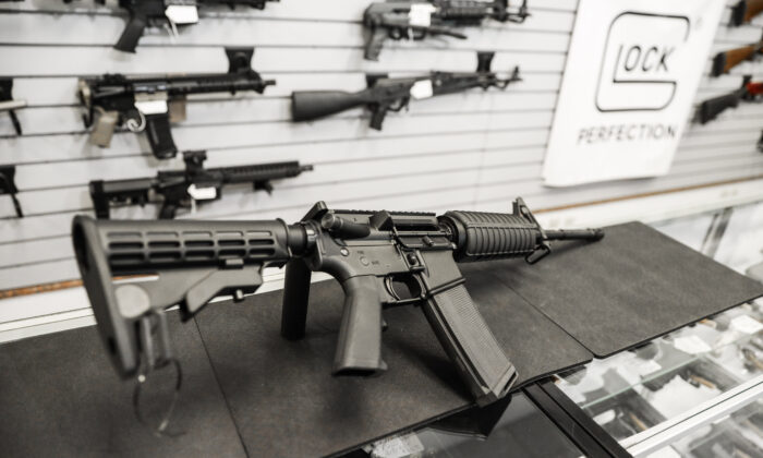 An AR-15 semi-automatic rifle at a gun shop in Richmond, Va., on Jan. 13, 2020. (Samira Bouaou/The Epoch Times)