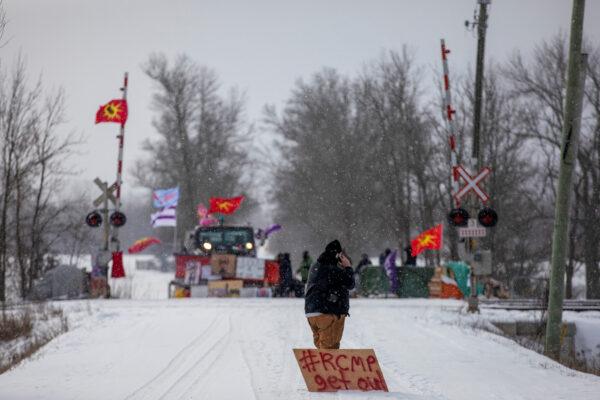 anti-pipeline-protest-Canada
