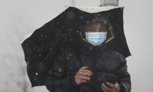 Absent State Help, Wuhan Locals Rely on Each Other to Survive the Coronavirus