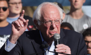 Sanders Refuses to Release Full Medical Records