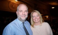 School Superintendent Recommends Shen Yun as 'An Excellent Educational Tool'