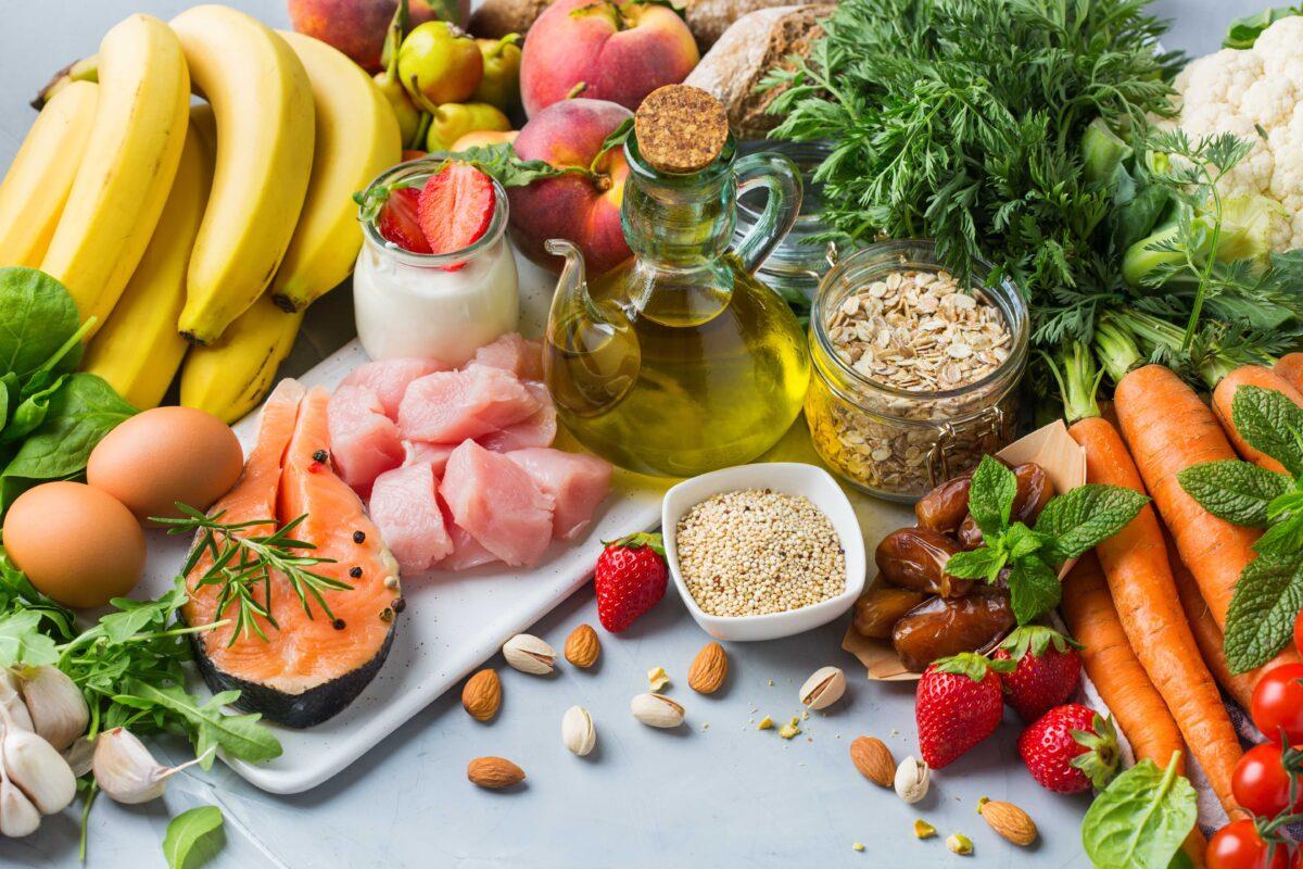 Mediterranean Diet Feeds Gut Bacteria Linked to Healthy Aging