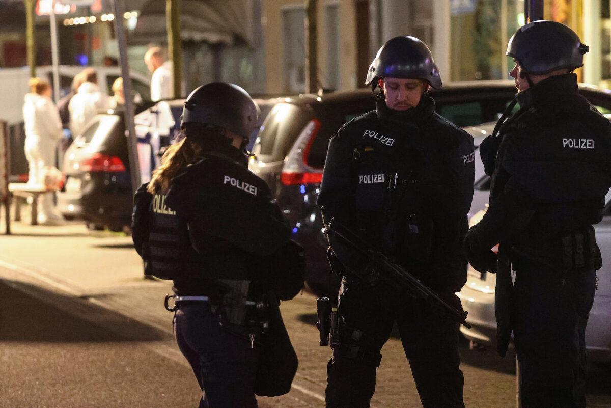 Germany shooting: Police report 'several' killed in bar in Hanau