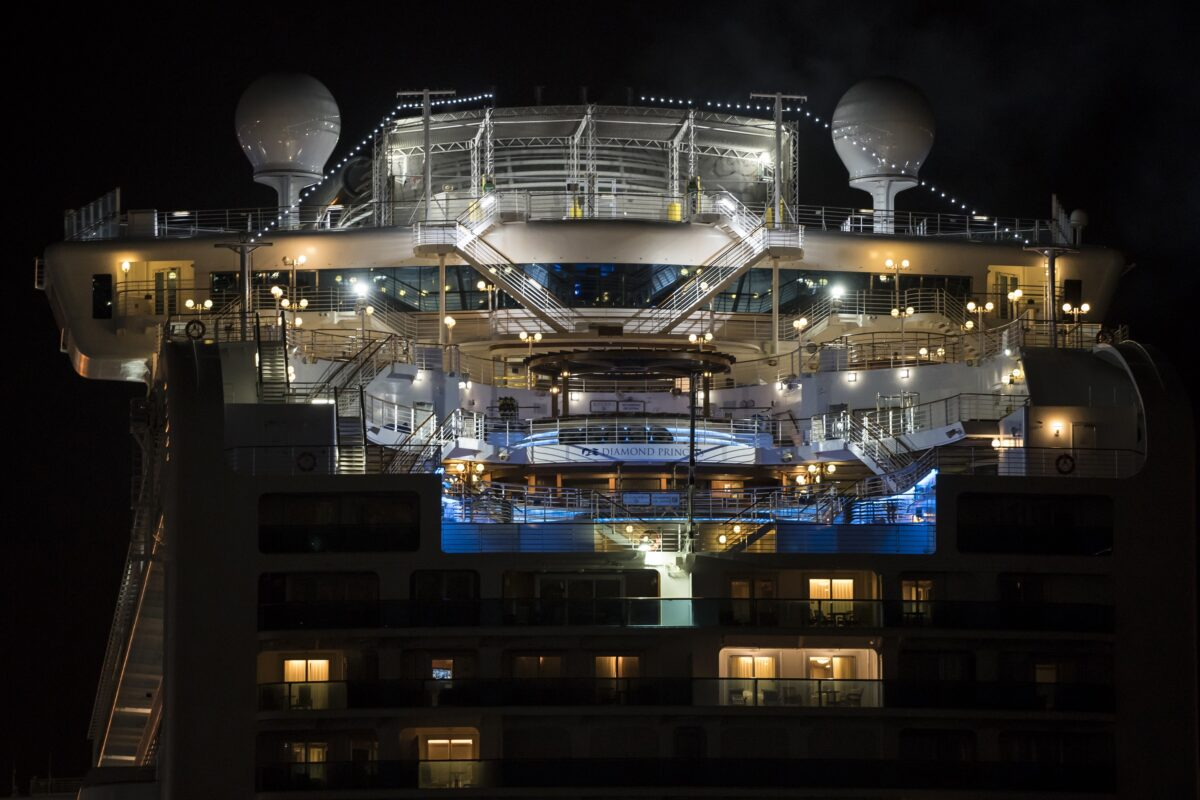 Coronavirus outbreak: Plane carrying Canadians from Diamond Princess cruise lands in Ontario