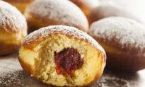 Paczki: It's Pronounced 'Delicious'