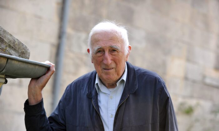 Founder of the Communaute de l'Arche (Arch community) Jean Vanier at home on Sept. 23, 2014 in Trosly-Breuil, France. (Tiziana Fabi/AFP via Getty Images)