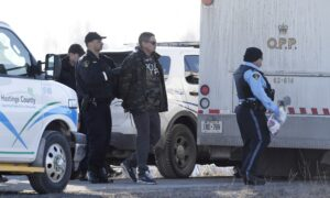 Police Move to Clear Rail Blockade on Tyendinaga Mohawk Territory